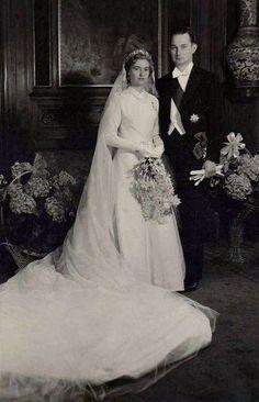 Francesco di Hohenberg il giorno del suo matrimonio il 9 maggio 1962 la Principessa Elisabetta di Lussemburgo, figlia di Carlotta, granduchessa di Lussemburgo. La coppia ebbe due figli. Francesco Ferdinando, Duca di Hohenberg (Artstetten-Pöbring, 13 settembre 1927 – Ried in der Riedmark, 16 agosto 1977), era il figlio maggiore di Massimiliano, Duca di Hohenberg e della Contessa Maria di Waldburg at Wolfegg and Waldsee. Era anche nipote dell'Arciduca Francesco Ferdinando d'Austria e Ungheria…