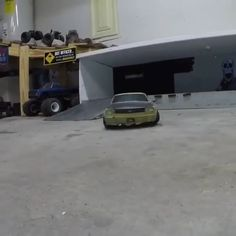 Drifting with a Custom Redcat Thunder Drift - Check out the custom body on this scale on road RC car. Drift Truck, Rc Drift Cars, Rc Cars And Trucks, Custom Trucks, 4x4 Trucks, Ford Mustang, Mustang Cars, Nissan Skyline Gtr R32, Miniatures