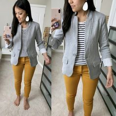 Grey blazer, mustard pants and striped shirt Grey Blazer Outfit, Yellow Pants Outfit, Blazer Outfits, Sweater Outfits, Casual Outfits, Mustard Jeans Outfit, Outfits With Gray Pants, Casual Blazer, Blazer Fashion