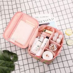 Women Collapsible Portable Cosmetic Bags Tabs Adjustable Storage Bag is hot sale at NewChic, Buy best Women Collapsible Portable Cosmetic Bags Tabs Adjustable Storage Bag here now! Bra Storage, Makeup Storage, Pochette Louis Vuitton, Bag Women, Packing Tips For Travel, Packing Cubes, Packing Ideas, Suitcase Packing Tips, Best Travel Bags