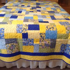 Queen Quilt by mommomsquilts on Etsy