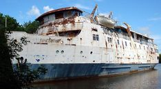 Cruise shipMS Lord Selkirk II plied the waters of Lake Winnipeg for two decades. Abandoned in 1990, she was arsoned and left to the mercy of the elements.