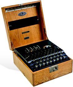 Máquina Enigma. Alemania, mediados del S. XX. Enigma, Geek Stuff, Germany, Geek Things