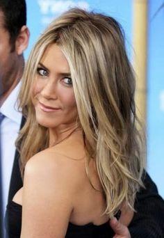Medium Frisur Mit Blonden Highlights