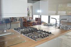 Toughened Mirror Splashback by CreoGlass Design (London, UK). View more glass kitchen splashbacks and non-scratch worktops on www.creoglass.co.uk. #kitchen #modernkitchen