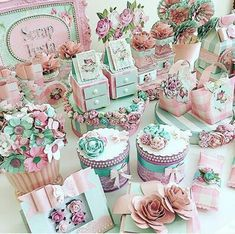 Photos and Videos Birthday Party Tables, Birthday Box, Little Girl Birthday, Birthday Party Decorations, Cumpleaños Shabby Chic, Butterfly Birthday Party, Kid Party Favors, Floral Baby Shower, Cookie Designs