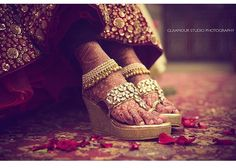 11 Ideas For Comfortable Bridal Shoes Which Are Not High Heels! Comfortable Bridal Shoes, Indian Wedding Ceremony, Beautiful High Heels, Peep Toe Platform, Some Girls, Stylish Jewelry, Bridal Footwear, Kitten Heels, Wedding Shopping