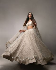 Indian Fashion Dresses, Indian Bridal Outfits, Indian Gowns Dresses, Indian Bridal Fashion, Dress Indian Style, Bridal Dresses, Indian Wedding Gowns, Indian Bridal Wear, Indian Wear