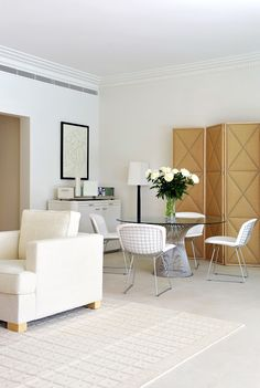 Grand Hotel du Cap Ferrat, designed by Pierre Yves Rochon    Platner table with Bertoia side chairs
