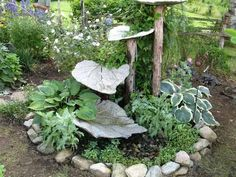 DIY Garden Concrete Leaves – Your Projects can find Concrete leaves and more on our website.DIY Garden Concrete Leaves – Your Projects Bird Bath Garden, Diy Garden, Garden Crafts, Dream Garden, Garden Projects, Garden Landscaping, Garden Ideas, Patio Ideas, Garden Paths