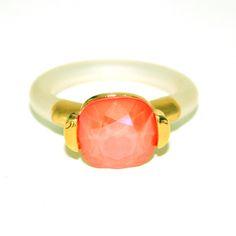 Ring laget av forgylt tinn, Flame orange Swarovski krystall og gummi Swarovski, Engagement Rings, Trends, Orange, Gold, Jewelry, Enagement Rings, Wedding Rings, Jewlery
