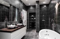 tyylikas-sisustus-antiikkia-kylpyhuone