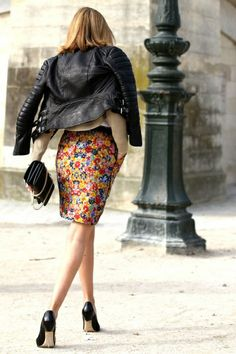 #fashion #womanswear #look #steet #style #leather #jacket #floral #printed #skirt #heels #pumps #shoes #outfit