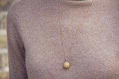 New treasure up close Gold Necklace, Pendant Necklace, Personal Style, Vintage Jewelry, Jewelry Design, Ootd, Jewellery, My Style, Fashion
