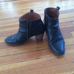Madewell black Billie boot The perfect boot for every outfit. These boots have been loved but still have lots of life left in them! A little scuff on the back right heel, but polish that baby up and it'll look brand new. Madewell Shoes Ankle Boots & Booties