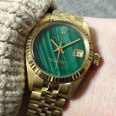 """""""reference image 参考画像 6917 ladies malachite yg18k"""" Vintage Rolex, Vintage Watches, Rolex Datejust, Reference Images, Malachite, Gold Watch, Lady, Accessories, Clock"""
