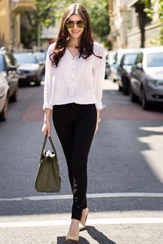 Classy Black and White Outfit Idea for Work