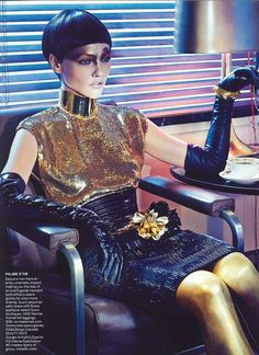 GOLDEN RULE: SASHA PIVORAROVA BY STEVEN KLEIN FOR VOGUE DECEMBER 2011 « CHUNGKIT BLOG