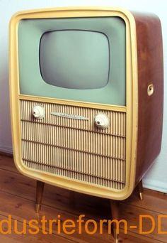Radio Vintage, Tv Vintage, Vintage Television, Television Set, Radios, Alter Computer, Tv Stand Unit, Form Design, Ancient Artifacts