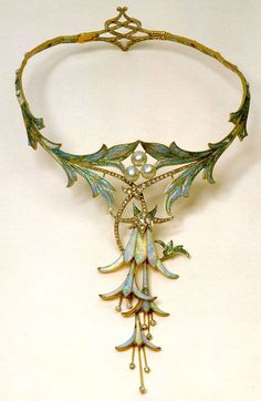 I WANT THIS AND I NEED THIS. IT WAS MAAAAAAAAAADE FOR ME!!! .....please?  -------------------------------- A lovely little art nouveau fae necklace.