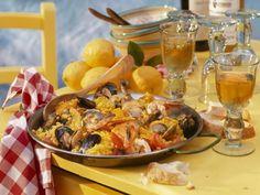 Spanische Paella ist ein Rezept mit frischen Zutaten aus der Kategorie Muscheln. Probieren Sie dieses und weitere Rezepte von EAT SMARTER!