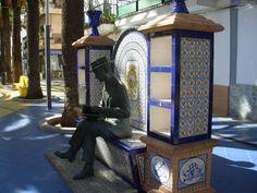 Monumento homenaje a los bancos biblioteca, Isla Cristina