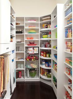 Lazy susan in corner of walk-in pantry. I am sooo doing this! The Closet Works, Inc. - traditional - kitchen - philadelphia - by The Closet Works, Inc. by Asmodel Kitchen Pantry Design, Kitchen Corner, Kitchen Organization, New Kitchen, Kitchen Decor, Corner Pantry, Pantry Room, Pantry Closet, Kitchen Ideas