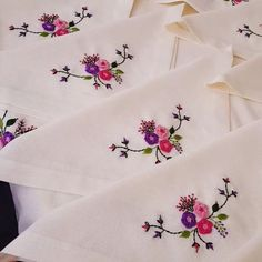 Hand Embroidery Designs, New Job, Christmas Fun, Salons, Model, Vestidos, Funny Socks, Napkins, Manualidades