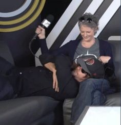 Norman Reedus and Melissa McBride at SDCC 2015 <<<< I SHIP IT IN REAL LIFE TOO!