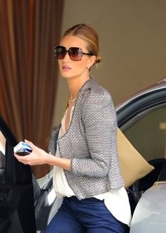 Rosie Huntington Whiteley Off Duty Street Style Rosie Huntington Whiteley, Rose Huntington, Style Désinvolte Chic, My Style, Summer Outfits, Cute Outfits, Street Style, Tweed Jacket, Tweed Blazer