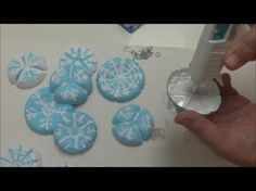 Coisas que Gosto: DIY crafts: Plastic Bottles Decoration for Christm...