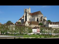 When it comes to barge holidays in France, Auxerre is a dream destination. Here are the top five things to do in the city. Auxerre France, Famous Wines, History Museum, Natural History, Botanical Gardens, Geology, Old Town, The Locals