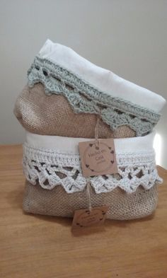 Creative Make A Pillow Or Cushion Ideas. Awe-Inspiring Make A Pillow Or Cushion Ideas. Fabric Bags, Fabric Scraps, Sewing Crafts, Sewing Projects, Fabric Basket Tutorial, Crochet Lace Edging, Sewing Pillows, Jute Bags, Crochet Home
