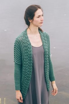 burke cardi by bristol ivy / from the marsh collection, fall 2017 / in quince & co. lark, color aleutian