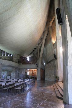 San Giovanni Battista (Chiesa dell'Autostrada del Sole): interno by lucesucarta, via Flickr