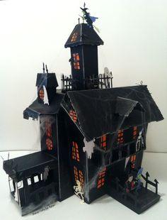 Haunted House using Cricut 'Happy Hauntings' Cartridge and Xyron Adhesive by Sharon Callis, www.sharoncalliscrafts.blogspot.com