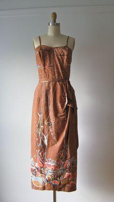 vintage tiki torches Shaheen's of Hawaii dress Vintage 1950s Dresses, 50s Vintage, Pin Up Dresses, Summer Dresses, 1950s Fashion, Vintage Fashion, Tiki Dress, Sarong Dress, Hawaii Dress