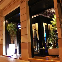 Royal Boundary coctail bar / Lugo  Luxury bar and restaurant