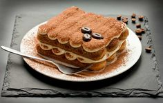 Make the most of your snacks with spreadable Tiramisu cheese by Balconi. Italian Food Online Store brings the best d eal onBalconi tiramisu cheese. Tiramisu Lady Fingers, Lady Fingers Dessert, Lady Fingers Recipe, Finger Desserts, Köstliche Desserts, Dessert Recipes, Tiramisu Oreo, Tiramisu Speculoos, Italian Desserts