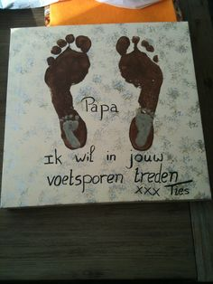 "Papa ik wil in jouw voetsporen... Zal ik dat nog kunnen zeggen na 20 jaar. Ik mag het hopen dat het zo is en trots kan zeggen ""dit is mijn vader"" Eid Ramadan, Diy For Kids, Crafts For Kids, Fun Crafts, Diy And Crafts, Daddy Day, Love You Dad, Crafty Kids, Happy Kids"