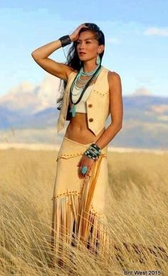 Pin tillagd av valerie harris på yes native american women, Native Girls, Native American Girls, Native American Beauty, Native American Clothing, American Indian Girl, American Photo, American Indians, Elegantes Business Outfit, Looks Country