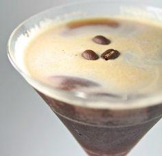Espresso Martini Recipes: Triple Threat Espresso Martini Recipe Vanilla vodka is a MUST! So is a sugared rim. Cocktail Drinks, Fun Drinks, Yummy Drinks, Yummy Food, Beverages, Cocktail Amaretto, Espresso Recipes, Coffee Recipes, Martini Recipes