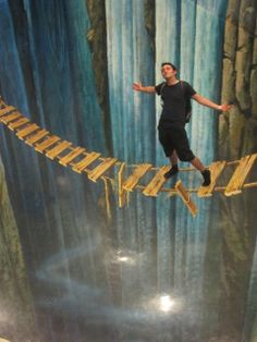 Art in Paradise 3D Art Museum in Chiang Mai - so awesome. Adventure on a bridge!
