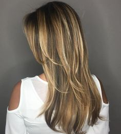 40 Picture-Perfect Hairstyles for Long Thin Hair - - Brown Hair With Caramel And Blonde Highlights Thin Hair Haircuts, Layered Haircuts, Straight Hairstyles, Black Hairstyles, Curly Hairstyles, Hairdos, Lob Hairstyle, Beautiful Hairstyles, Updos