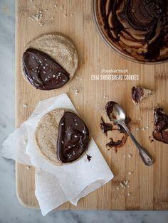 chai shortbread cookie
