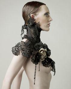 Mother of London Lace collar Dark Fashion, Gothic Fashion, Fashion Art, High Fashion, Fashion History, Victorian Goth, Gothic Steampunk, Victorian Collar, Boho Hippie