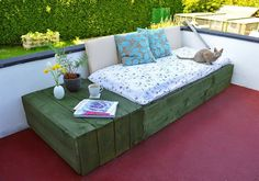 Wooden Day Bed | DIY Wood Projects For Patios | DIY Projects