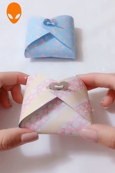 10 Creative Origami You Can Learn – DIY Tutorials Videos Origami Gifts, Cute Origami, Paper Crafts Origami, Easy Paper Crafts, Diy Origami, Paper Crafting, Diy Crafts Hacks, Diy Crafts For Gifts, Diy Arts And Crafts