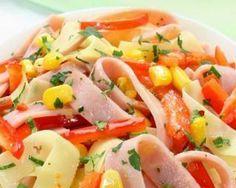 Salade minceur de tagliatelles de jambon et concombre au maïs : http://www.fourchette-et-bikini.fr/recettes/recettes-minceur/salade-minceur-de-tagliatelles-de-jambon-et-concombre-au-mais.html