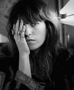lou Doillon y el feminismo Charlotte Gainsbourg, Serge Gainsbourg, French Girl Style, French Girls, Jane Birkin, Patti Smith, Nicki Minaj, Hair Inspo, Hair Inspiration